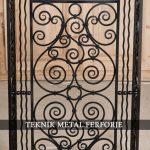Hizmetlerimiz_Ferforje-el-işçiliği-motif-ve-aksesuarlar-Teknik-Metal-Ferforje-75-150×150